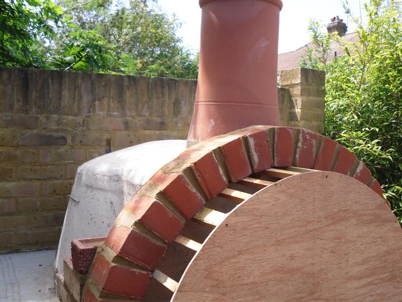 how to build a pizza oven uk