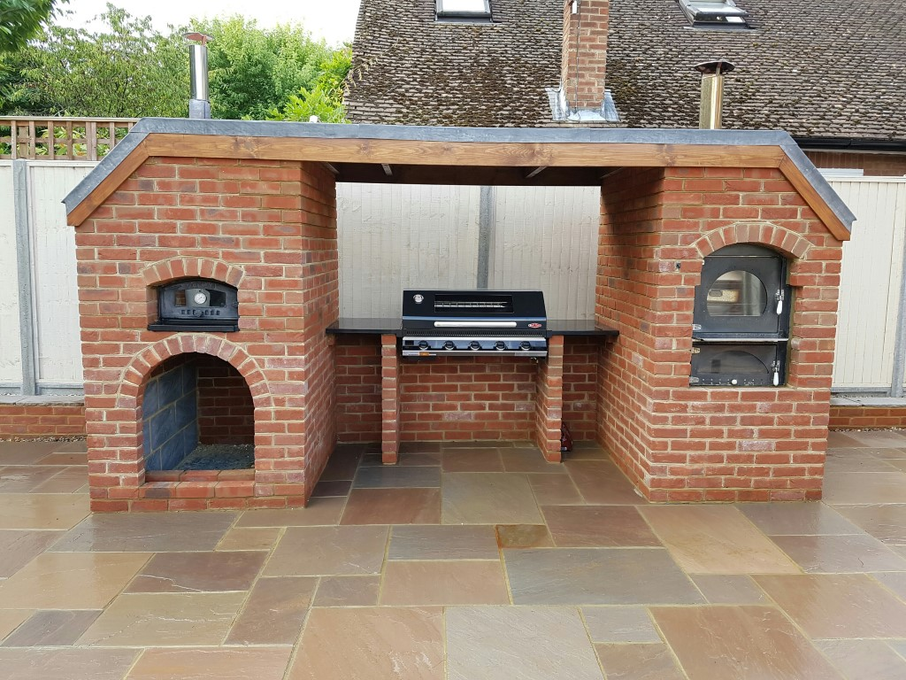 Authentic Wood Fired Pizza Oven Builds In Surrey Pizza Oven Bbq And Outdoor Kitchen In Lyne